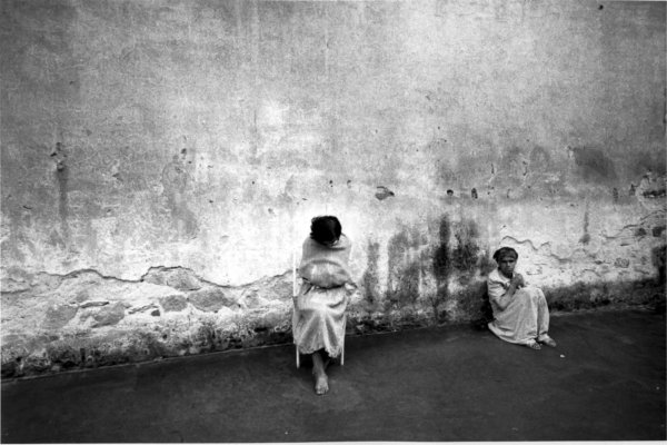 firenze, istituto psichiatrico 1968 (rivoli oltre il muro 2012)